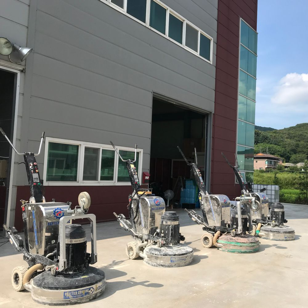 Xingyi team hold a floor grinding machines seminar in South Korea